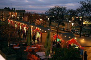 smr165913_2_Dlr-Christmas-Market-Captioned-2-1024x682